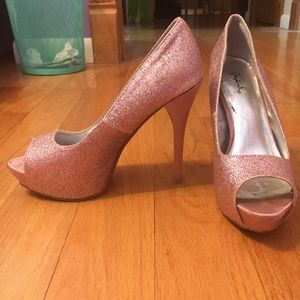 Light Pink Sparkly pumps